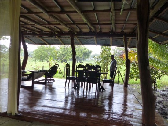 Ostional, Costa Rica: Covered communal seating area