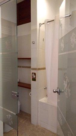 La Hacienda Bahia Paracas: Banheiro