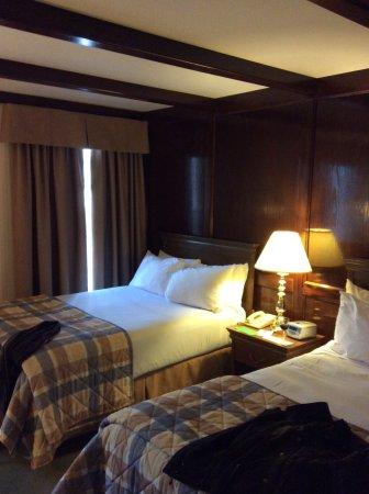 The Gananoque Inn and Spa: Double room