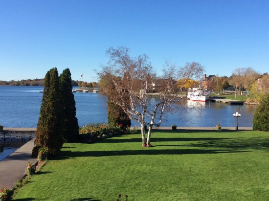 The Gananoque Inn and Spa: Grounds