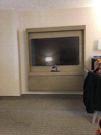 Embassy Suites by Hilton Cleveland Rockside: photo1.jpg