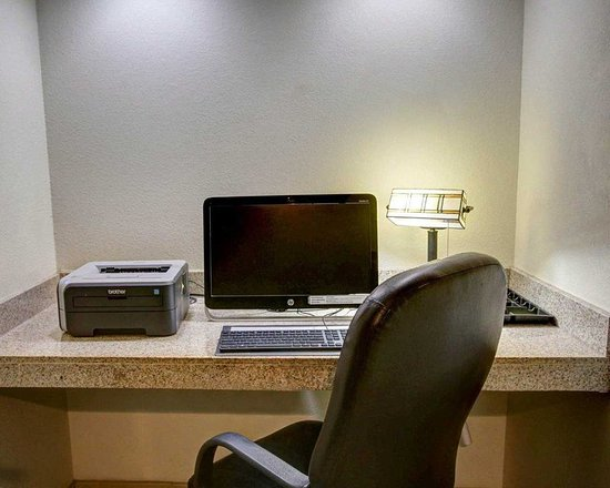 Rockdale, TX: Business Center