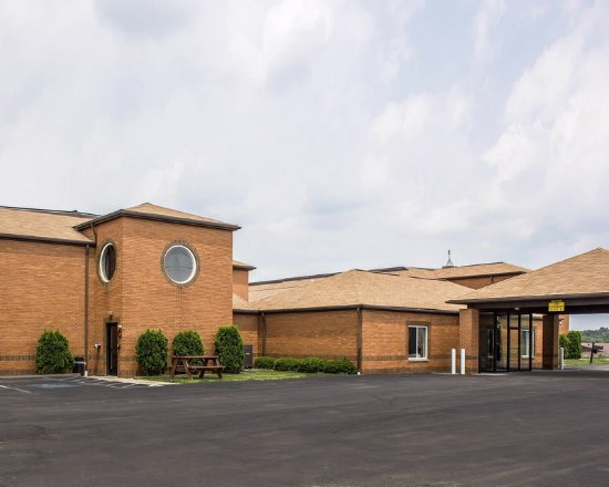 Clarion, PA: Exterior