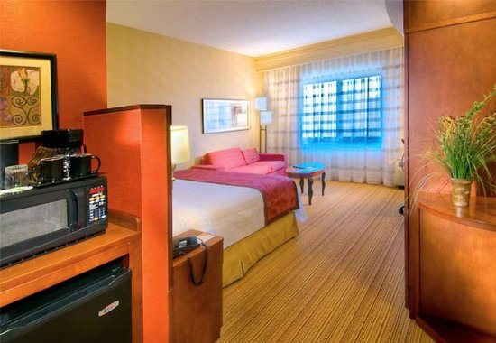 Middletown, NY: King Guest Room