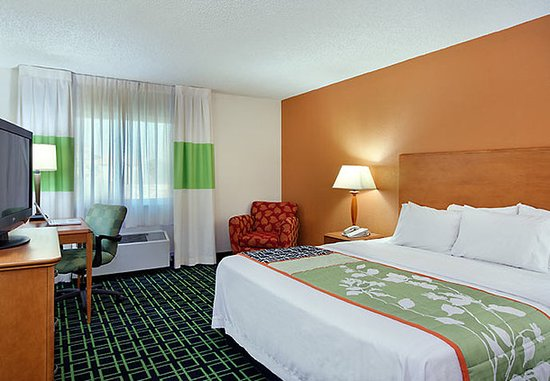 Temple Terrace, FL: King Guest Room