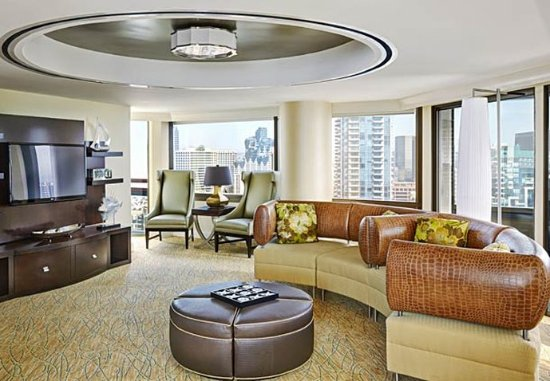 Presidential Suite Living Room - Picture of Marriott Marquis San ...
