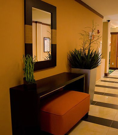 Bartlesville, OK: Elevator Lobby