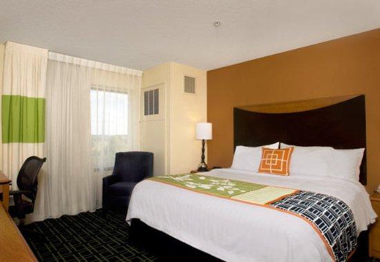 Saltillo, MS: King Guest Room