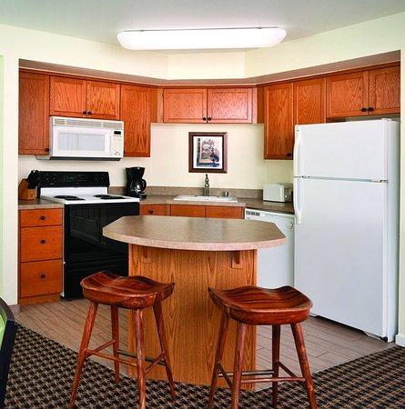 Angels Camp, Kalifornien: One-Bedroom Suite Kitchen