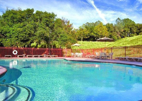 Angels Camp, Kalifornien: Outdoor Swimming Pool