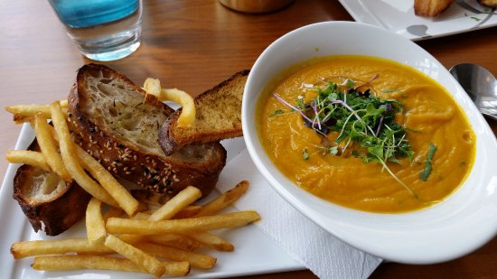 Devonport, New Zealand: Home Made Carrot Soup with Thick & Crispy Toast (Borrowed the fries!)