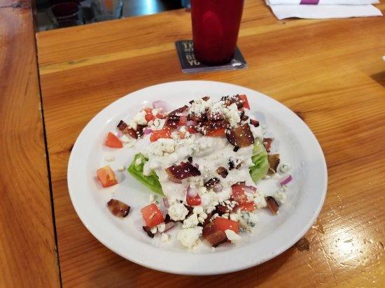 Warner, Νιού Χάμσαϊρ: Wedge salad