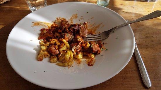 Hittnau, Szwajcaria: beef Stroganoff with Spätzli