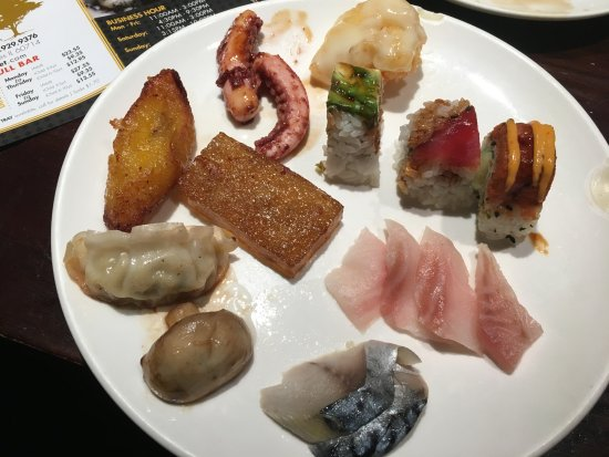 Niles, IL: Assortment of food at Ginza Buffet
