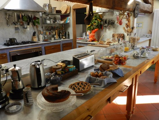 Casperia, Italy: Breakfast spread