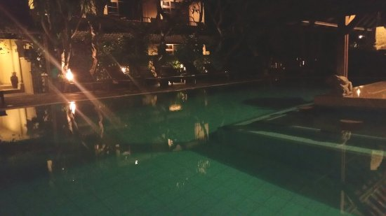 Hotel Puri Bambu: 20171028_200012_large.jpg