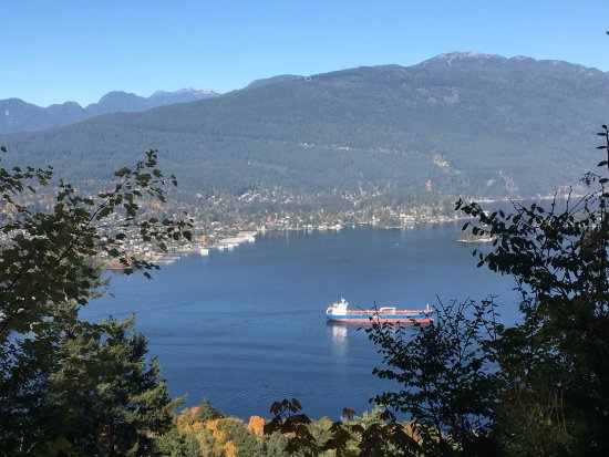 Burnaby, Kanada: mountain, North Vancouver and Burrard inlet
