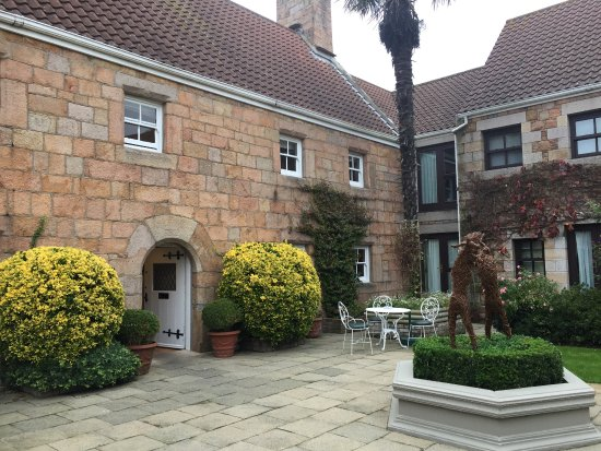 Greenhills Country House Hotel: Entrance