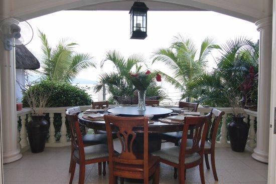 Sibulan, Filipinas: The Wilsons' Shangrila Balcony