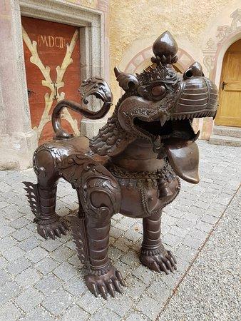 Messner Mountain Museum Ripa: Skulptur