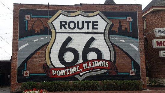 Pontiac, IL: murals
