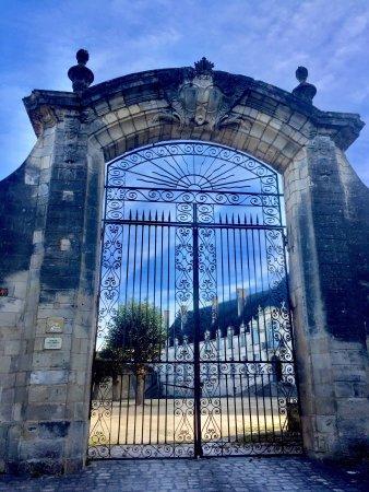 Saint-Jean-d'Angely, France: Son histoire est liée à celle de l'abbaye