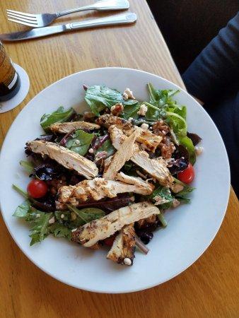 Atlantic Highlands, NJ: Gorgonzola Chicken Salad