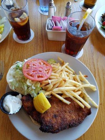 Atlantic Highlands, Νιού Τζέρσεϊ: Flounder Sandwich