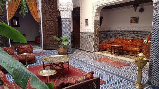 Riad Tayba: espace salon