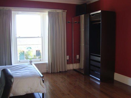 Drogheda, Irland: Cairns suite