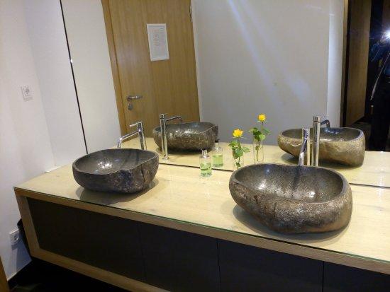 Gästetoilette außergewöhnliche waschbecken auf der gästetoilette praktisch
