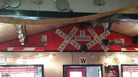 Hamburger Store : I love train stuff lol