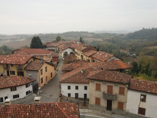 Moncucco Torinese, Италия: Il panorama dal castello