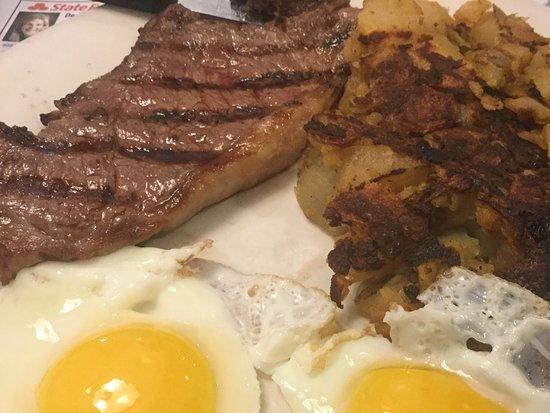 Middletown, NY: Sirloin steak and eggs