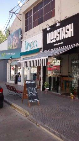 Moostash Cafe