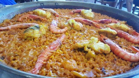 Барич, Испания: paella del señoret a fuego de leña