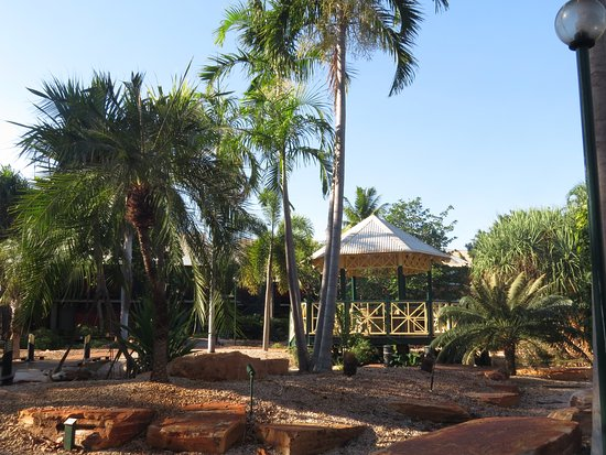Cable Beach Club Resort & Spa: Gazebo to meet friends for a quiet drink
