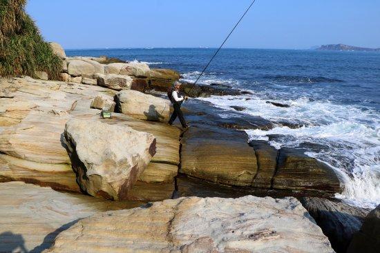 Xinbei, Taiwan: 神祕海岸釣客