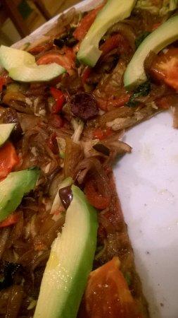 Avocado: veggie pizza <3