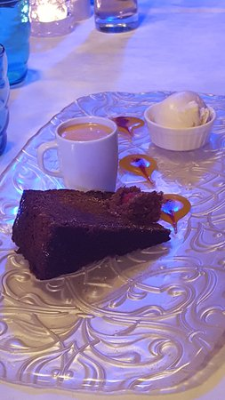 Blu Restaurant: chocolate cake