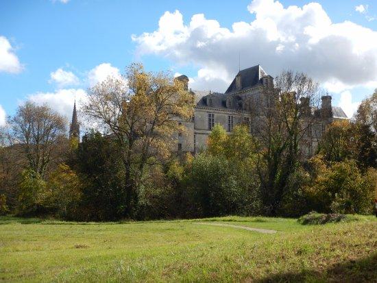 Beguey, Francja: Le parc du restaurant