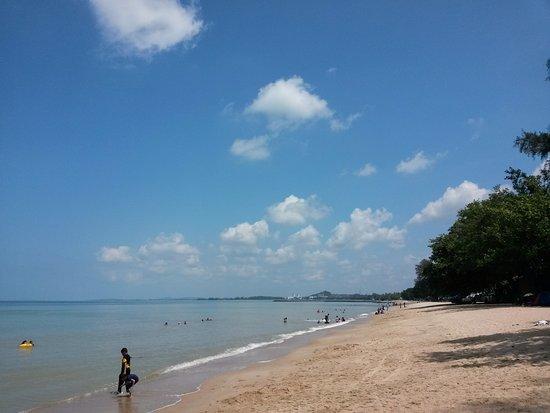 Pengkalan Balak Beach (Pantai Pengkalan Balak)