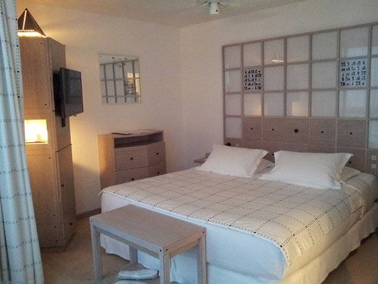 L'Agapa Hotel SPA Nuxe : Les chambres sont petites, mais bien agencées.