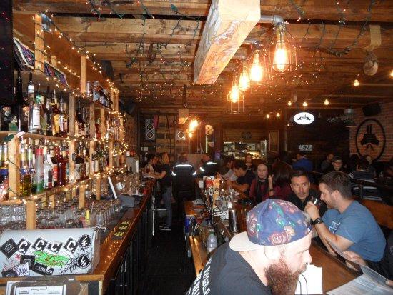 Comptoir typique du bar picture of le bureau de poste trois rivieres trois rivieres tripadvisor - Bureau de poste quebec restaurant ...