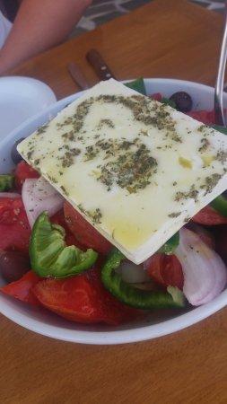 Agia Anna, Grecia: Greek salad MMMMMM
