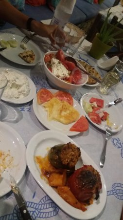Agia Anna, Griechenland: Different dishes