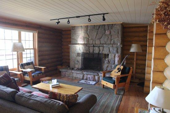 cedar grove lodge huntsville ontario canada ranch. Black Bedroom Furniture Sets. Home Design Ideas