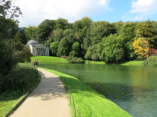 Beautiful Lake Scenery Picture Of Stourhead House And Garden