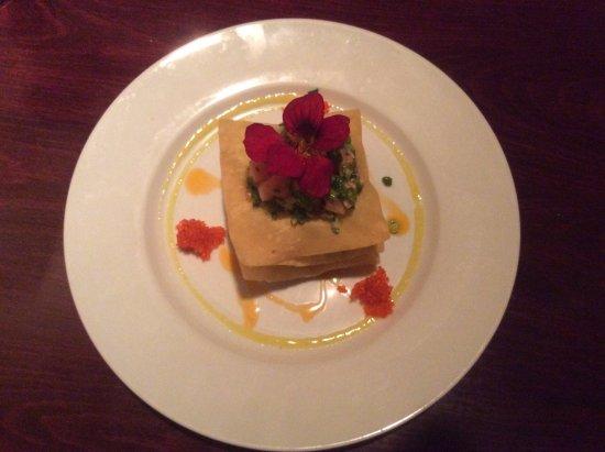 Gogi's Restaurant: Salmon and leek tartare