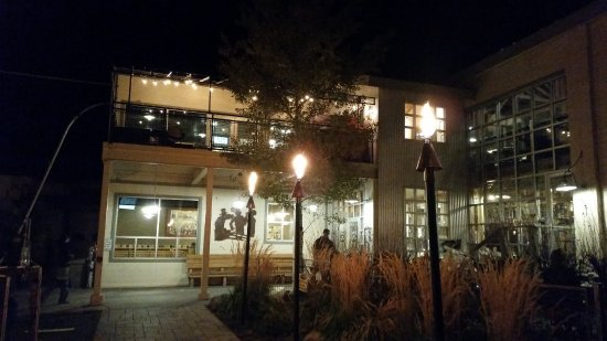 Snake River Brewing: Exterior
